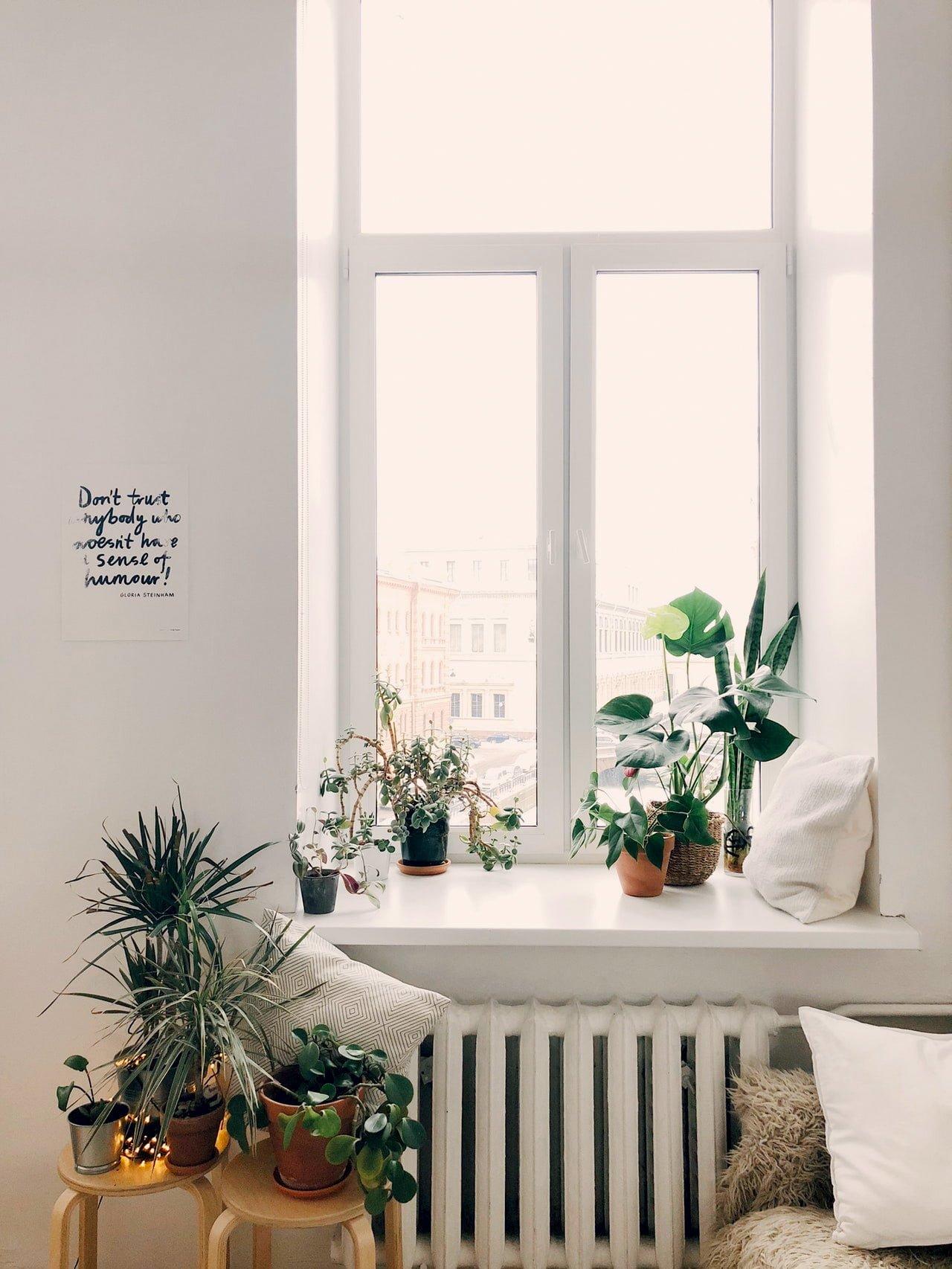 Dekoracja okna w stylu skandynawskim