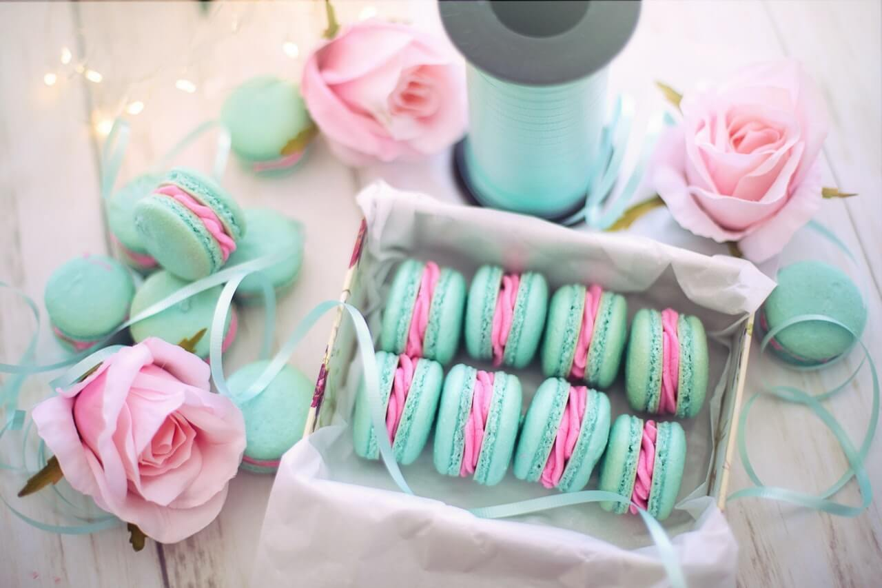 Kolorowe ciastka na wielkanoc