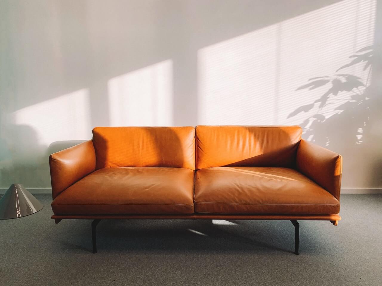 Odnowiona sofa skórzana